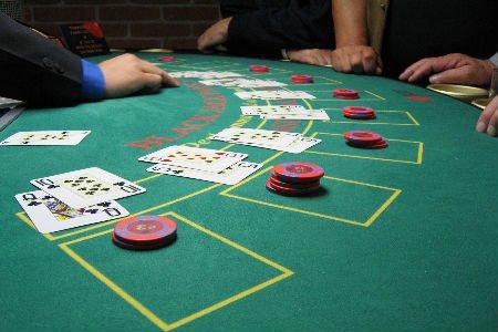 Casinospelare runt om 23731